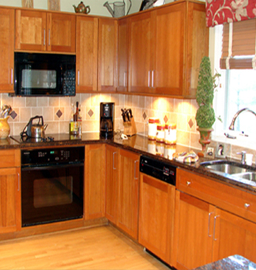 Kitchen Remodeled to Fit in Client's Budget
